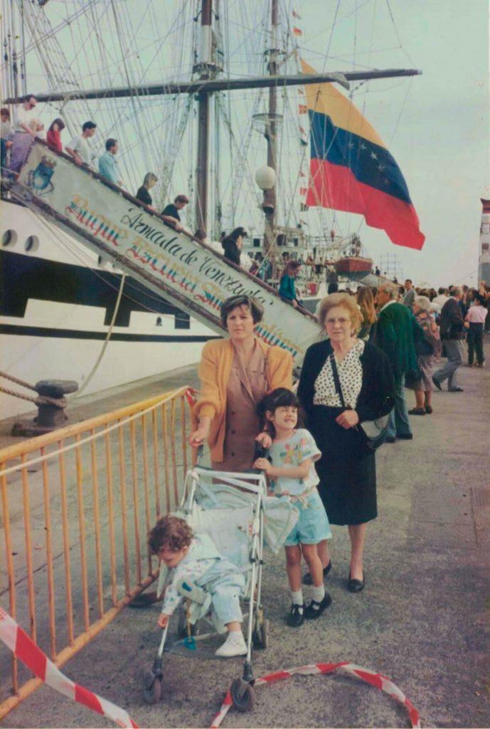 Familia barco - interior libro Atlanticidad